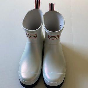 NWT Hunter Short Nebula Play Boots
